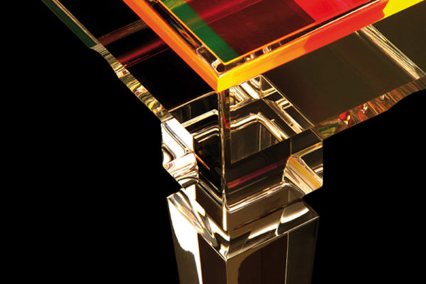 Acrylic Display side tableby Poliedrica