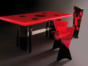 Plexiglass desk 'Coccinella' by Poliedrica