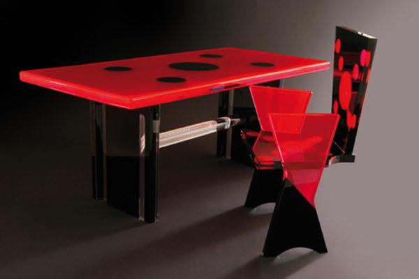 Plexiglass desk 'Coccinella' by Poliedrica